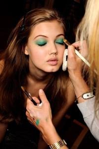 emerald-makeup