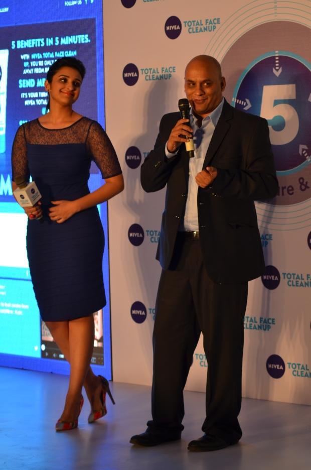 Parineeti Chopra meets NIVEA India Marketing Director, Mr. Sunil Gadgil.