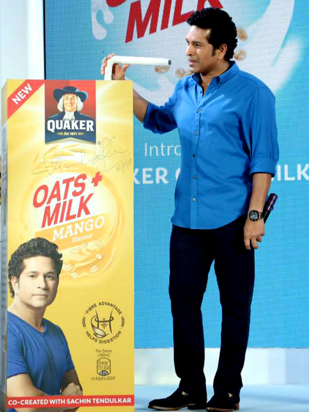 Sachin Tendulkar at the Quaker Oats + Milk Launch